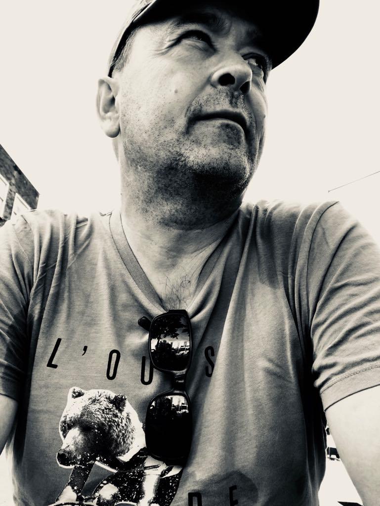 Robert Landa (Inhaber + Designer)